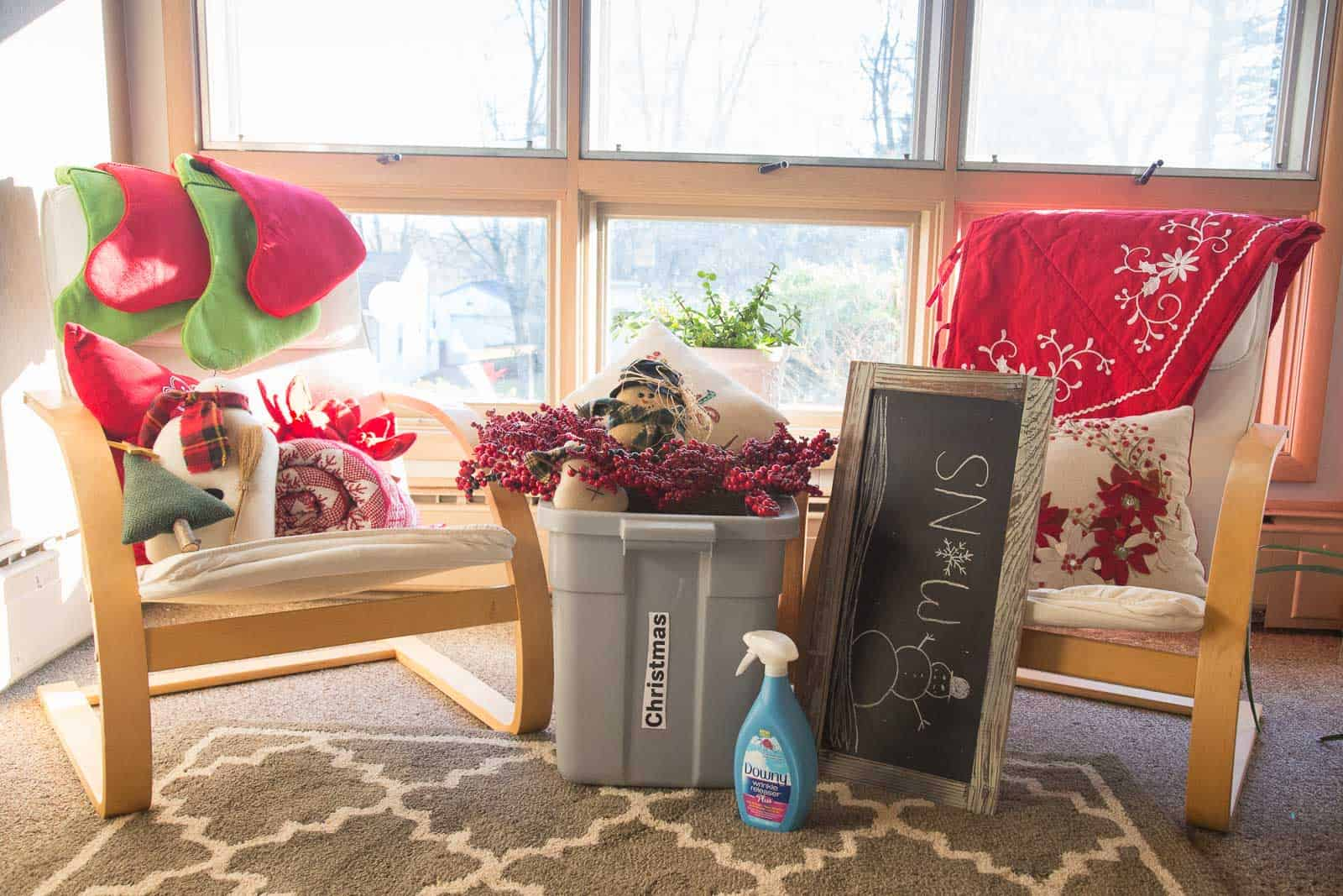 Dont miss the opportunity to declutter holiday decorations this next grab yourself a recycling bin a garbage can and three cardboard boxes label them donate give save solutioingenieria Gallery